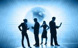 Los trabajadores de telecomunicaciones garantizan que los clientes disfruten de un servicio de alta calidad.