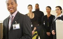 Construye el nombre de tu empresa al conocer a otras personas de negocios en tu área.