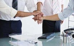 Alinear tu empresa con otras es una poderosa medida de control de mercado.