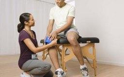 Los terapeutas físicos pueden ayudar con los daños en la pierna.