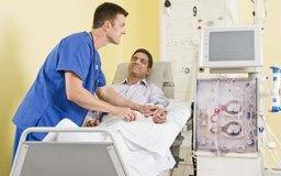 Un nefrólogo especializado en el cuidado de los riñones.