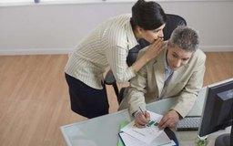 Los chismes y rumores impactan de forma negativa en toda la oficina.