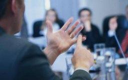 Los líderes transformacionales son similares a los líderes carismáticos, pero más orientados al equipo.