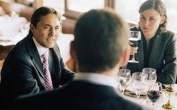 Mantén un registro de tu comida empresarial para asegurar productividad para tu compañía y tu cliente o colega.