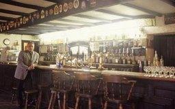 Cómo iniciar un negocio de un pub