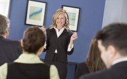 Motiva a los empleados para mejorar sus desempeños.