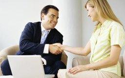 Algunas empresas contables operan como empresas de servicio completo, que ofrecen una variedad de servicios contables.