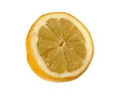 What Are the Different Kinds of Health Benefits of the Lemon?