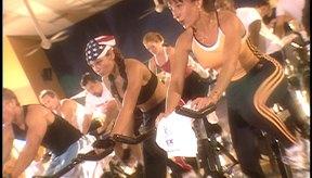Los intervalos en las clases de spinning te ayudarán a quemar más calorías.