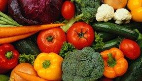 El consumo de vegetales y fibra pueden ayudarte a ablandar las heces.