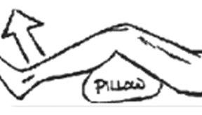 Puedes ejercitarte en el suelo con una almohada.