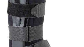 Órtesis en forma de bota ortopédica para la parte inferior de la pierna.