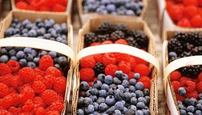 Cuando compres bayas congeladas, selecciona variedades sin endulzante agregado.