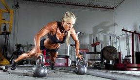 El CrossFit ayuda a hacer crecer tus músculos y a perder peso.