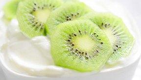 Bol con kiwi y yogur.