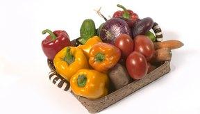 Una dieta saludable rica en frutas, verduras, granos enteros y proteínas magras puede reducir el riesgo de un hígado graso.