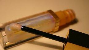El petróleo es la base de muchos bálsamos labiales.