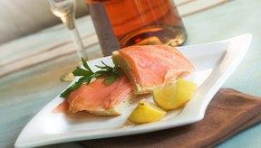 Comer salmón es una estupenda manera de que los hombres disminuyan su riesgo de sufrir enfermedades del corazón.