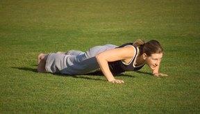Las lagartijas (push-ups) ayudan a aumentar la masa muscular.