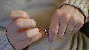 Mantén tus uñas recortadas para prevenir quebraduras.