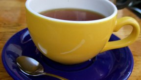 Un día antes de la colonoscopía, el té sin leche o crema es permitido.