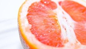 La vitamina C se encuentra en las frutas cítricas.