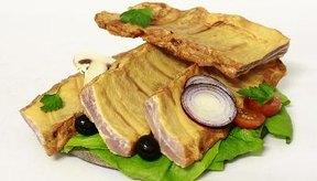 La carne con huesos es rica en colágenos.