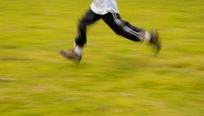 Las sencillas carreras de relevo pueden involucrar el correr y tocar al siguiente corredor de tu equipo.