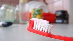 Existen muchos productos de venta libre que ayudan a recontruir el esmalte dental.