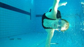 Cuida tu cabello después de nadar.