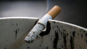 El fumar aumenta el riesgo de padecer cáncer de boca y de garganta.
