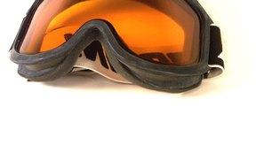 El uso de gafas de seguridad cuando trabajes con carbonato de sodio previene la irritación ocular.