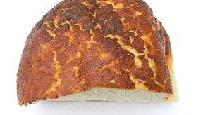 El pan contiene tanto gluten como  levadura.