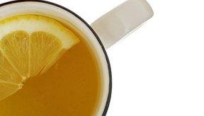 El agua caliente y el limón pueden estimular la pérdida de peso.