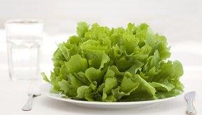 Saltearse comidas o limitar el consumo de demasiadas calorías puede llevar a un hambre incontrolable.