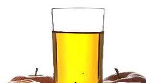 El sorbitol en el jugo de manzana puede desencadenar una serie de efectos secundarios.