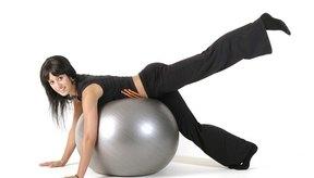 El ejercicio de extensión de la cadera se centra en los músculos isquiotibiales.