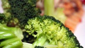 El pollo con brócoli al vapor contiene mucha vitamina A.