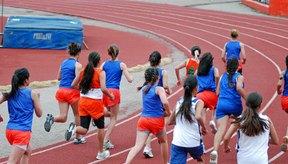 Adolescentes haciendo ejercicio.