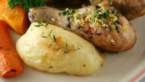 Pollo y patatas, sin su piel, son de fácil digestión y de bajo contenido de fibra.