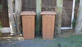 Los contenedores de plástico rígidos para exterior suelen estar hechos de polietileno de alta densidad.