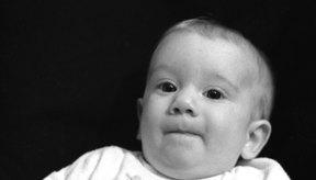 Debes buscar atención médica si el recién nacido tiene congestión con fiebre.
