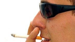 Un efecto secundario del consumo de tabaco es la sibilancia.
