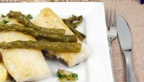 El abadejo es una fuente de proteínas, vitaminas y minerales bajo en grasas.