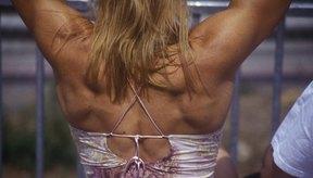 El entrenamiento con pesas te ayuda a mejorar tu apariencia y salud.