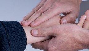 Los temblores en las manos pueden ser causados por desequilibrios hormonales