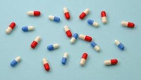Aprende sobre los efectos negativos del alcohol mezclado con antibióticos.