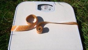 El aumento de peso es un síntoma común del hipercortisolismo.