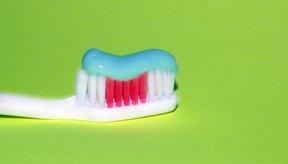 El flúor forma el compuesto fluoruro, que se encuentra en muchas marcas de pasta de dientes.