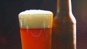 El consumo excesivo de cerveza u otro tipo de alcohol puede aumentar los triglicéridos.